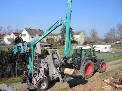 Prächtig Modern und leistungsstark: Pfanzelt Forst- und Ladekrane @WL_18
